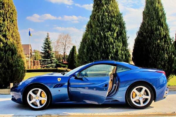 Ferrari California 2012 год прокат аренда ферари на съемки
