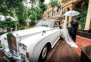Прокат аренда ретро автомобиля  на свадьбу в киеве заказать ретро машину на свадьбу цена на прокат киев