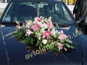 Украшение автомобиля живыми цветами