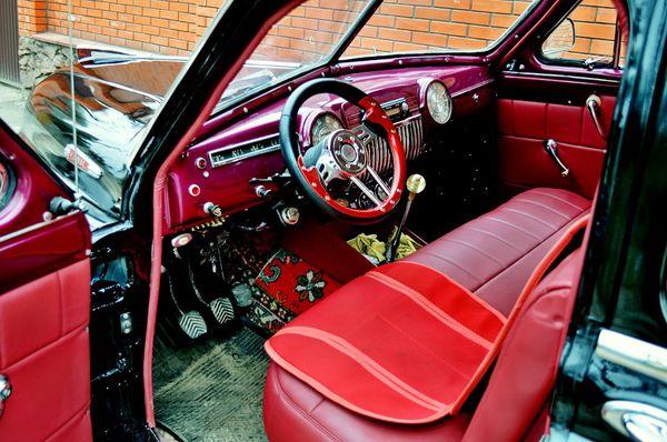 Ретро автомобиль ZIM GAZ-12 черный арендовать на свадьбу съемки