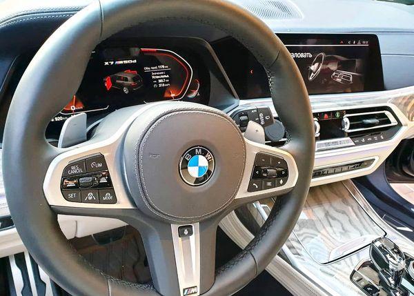 BMW X7 2019 год черный заказать на прокат