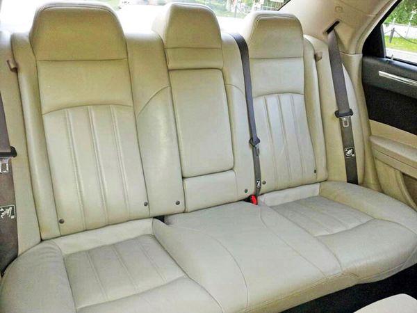 Chrysler 300C белый на прокат