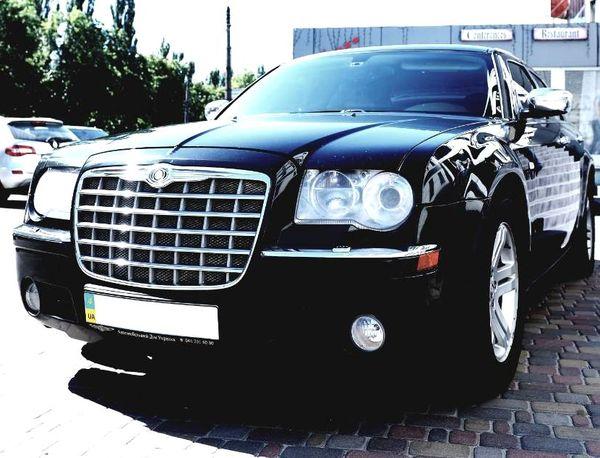 Chrysler 300C черный прокат на свадьбу