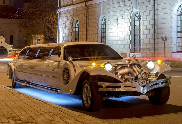 Excalibur Phantom white лимузин
