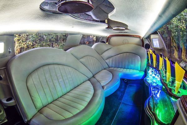 Excalibur Phantom white лимузин