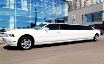 Лимузин Ford Mustang Limo заказать на свадьбу девичник