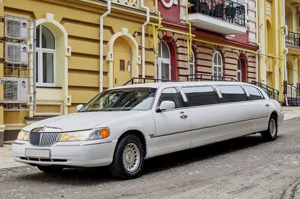 Lincoln Town Car 120 аренда лимузина