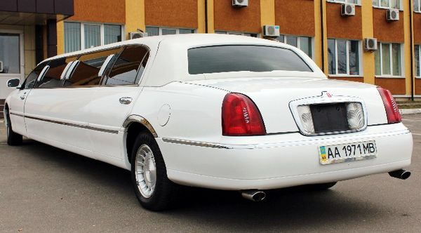 Lincoln Town Car Prestige на свадьбу