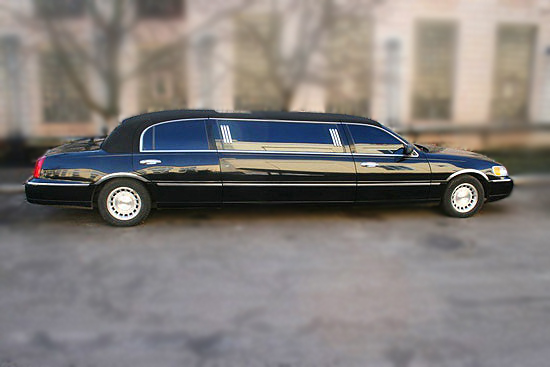 Lincoln Town Car black