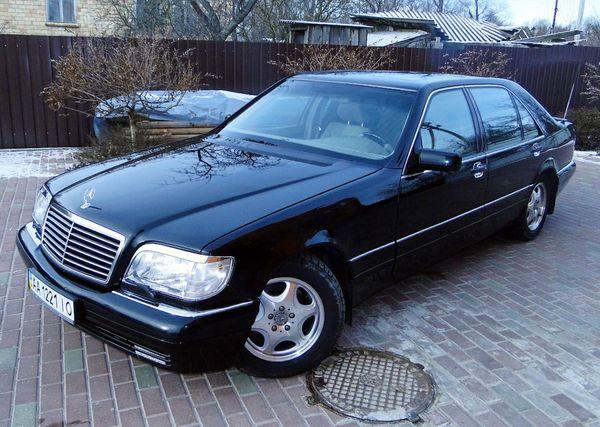 Mercedes 140 черный на свадьбу киев