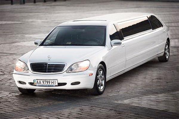 Mercedes 220 лимузин заказать на свадьбу