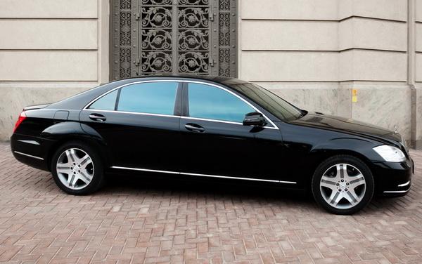 Mercedes 221 черный аренда киев
