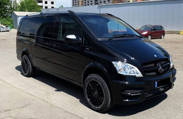 Mercedes Viano 2013 заказать с водителем