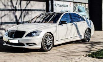 Mercedes W221 S550 белый арендовать авто бизнес класса на свадьбу