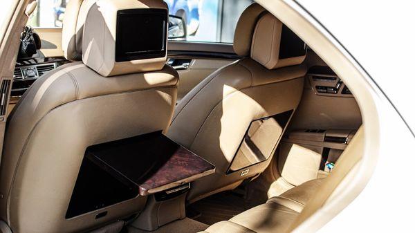 Mercedes W221 S550 белый аренда на прокат на свадьбу