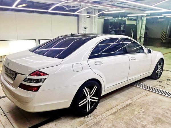 Mercedes W221 S550 белый прокат аренда