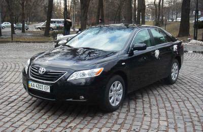 Toyota Camry black