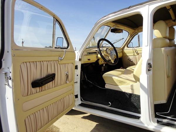 ZIM GAZ-12 белый кабриолет