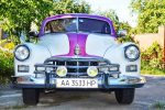 Ретро автомобиль ZIM GAZ-12 бело-розовый на свадьбу