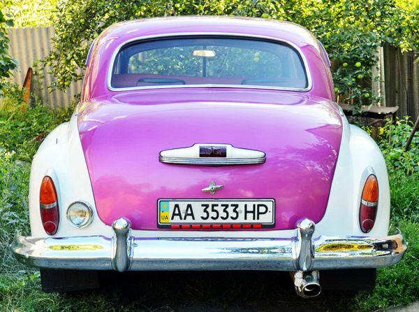 ZIM GAZ-12 бело розовый
