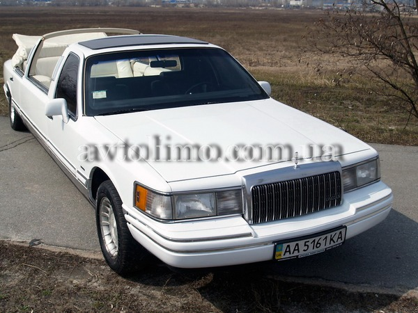 Кабриолет Lincoln Town Car white cabrio
