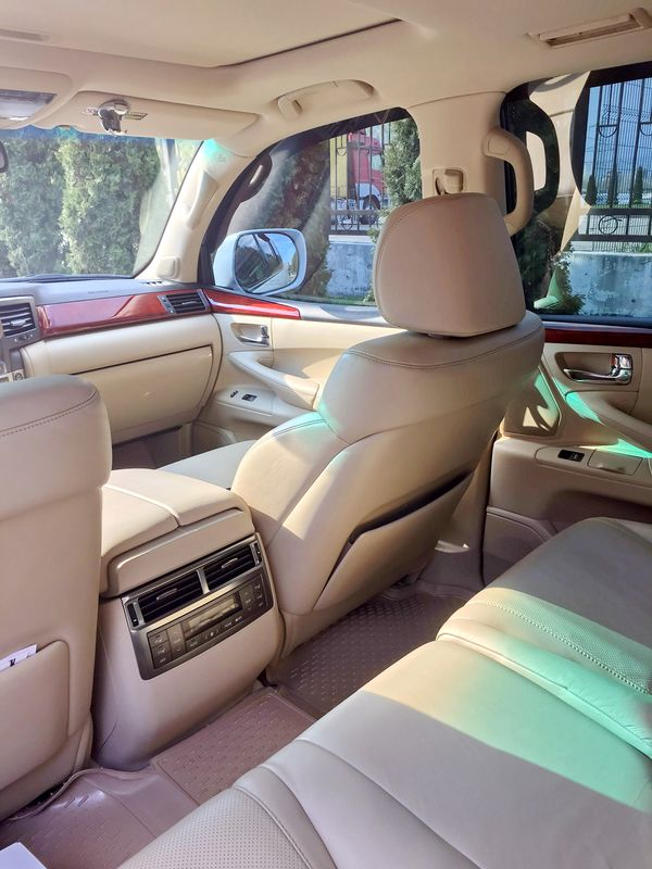 Lexus LX570 белый заказать на свадьбу