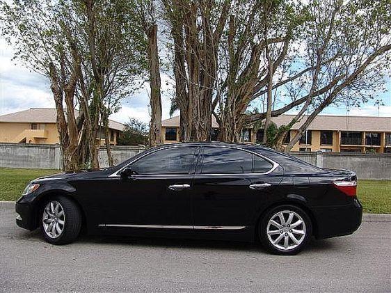 Lexus LS460 black