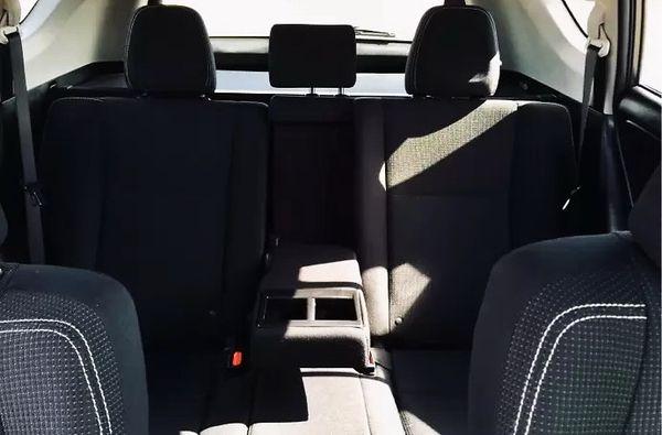 Внедорожник Toyota RAV4 аренда на свадьбу