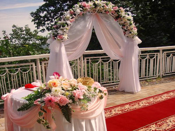Свадебная арка на прокат аренда