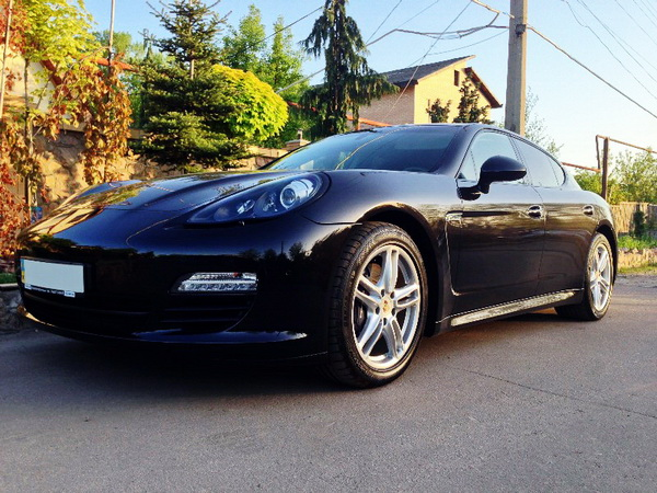 Porsche Panamera черный прокат аренда