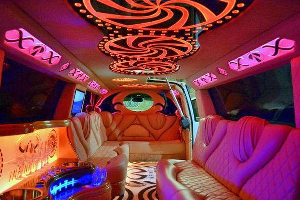 Limuzin-Infiniti-QX56 инфинити лимузин на свадьбу киев