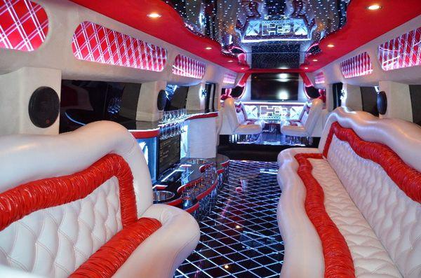МЕГА Hummer H2 Трехосный прокат аренда хамер лимузин в киеве лимузин хамер на свадьбу на девичник на день рождение, хамер не дорого 09