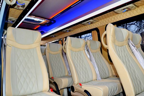 Mercedes Sprinter вип класса на 20 мест