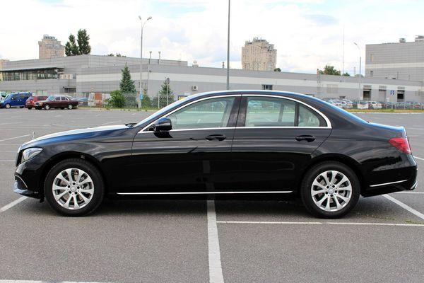 Mercedes W213 черный прокат аренда