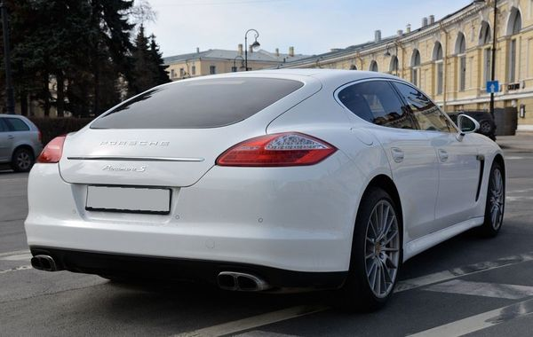 Porsche Panamera белая на свадьбу