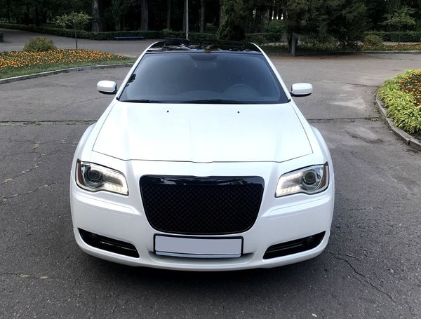 Chrysler 300C новый на свадьбу