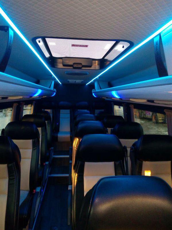 Volkswagen Crafter микроавтобус 20 мест