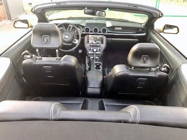 Ford Mustang GT желтый кабриолет на прокат