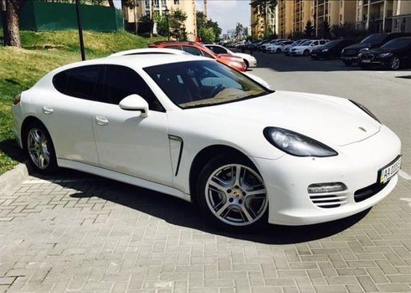 Porsche Panamera белая на прокат