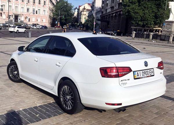Volkswagen Jetta белый аренда на свадьбу