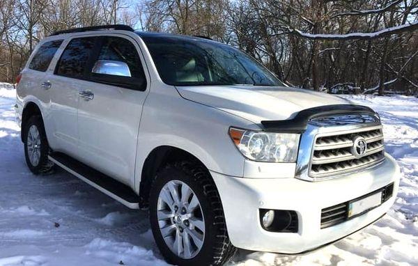 Toyota Sequoia белая аренда киев