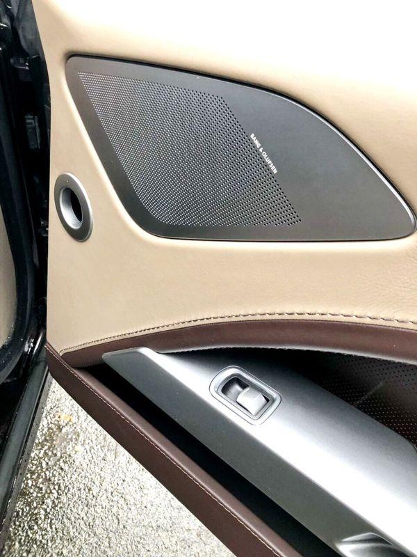 Aston Martin Rapide аренда авто