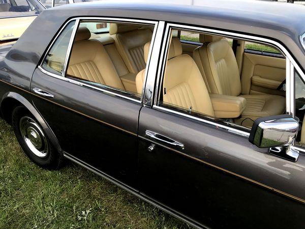 Ретро автомобиль ROLLS-ROYCE 1984 на свадьбу аренда