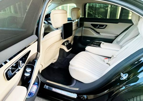 Аренда Mercedes-Benz W223 в аренду с водителем на свадьбу